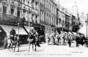 1914 Douai Emir Khaled goumiers partant en éclaireurs